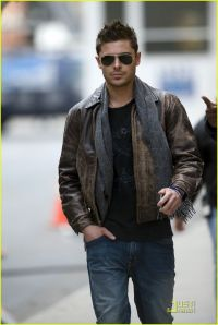 Leather jackets are just casual cool.  leatherstrend.com
